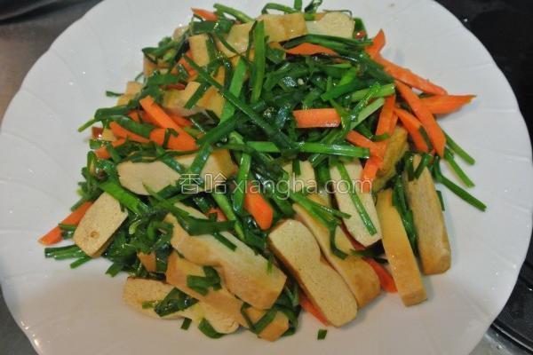 韭菜三色炒的做法