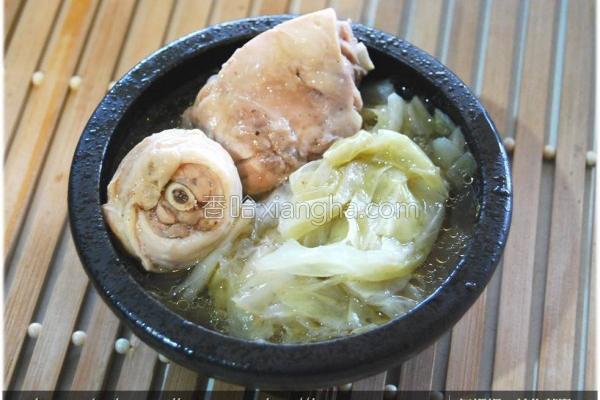 黑木耳麻油鸡汤的做法
