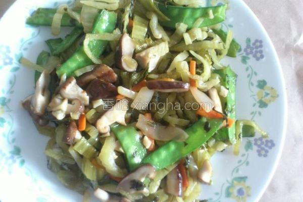 扁豆香菇炒酸菜的做法