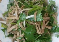 凉拌三河豆腐丝。