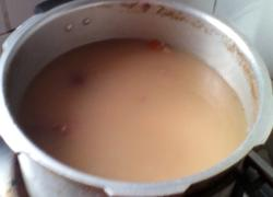 淮山莲子茨实薏米红枣蜜枣猪骨汤