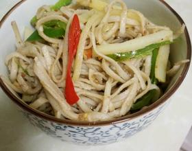 土豆青椒花生酱拌面