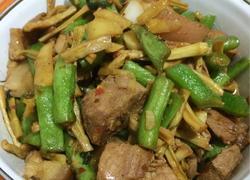 笋干缸豆红烧肉