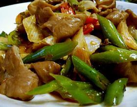 尖椒炒肥肠