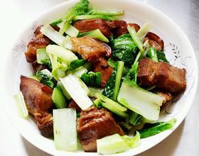 五花肉烩小白菜