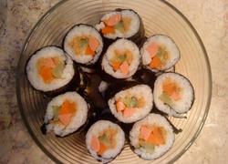 沙拉肉松寿司卷