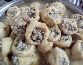 冬菇胡萝卜猪肉酿豆腐