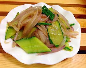 洋葱炒黄瓜