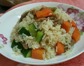 蔬菜肉丁炒饭