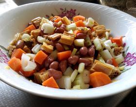 凉拌腐竹芹菜花生米丁
