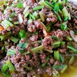 芹菜牛肉末的做法[图]