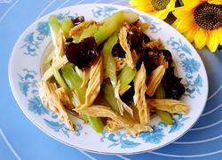 素炒腐竹芹菜