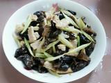 芹菜黑木耳肉片的做法[图]