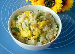蛋黄炒米饭