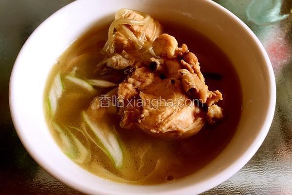 平菇土鸡汤煲