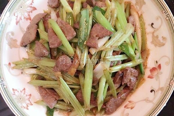 芹菜蒜苗炒猪肝