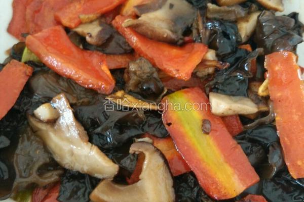 香菇炒木耳胡萝卜