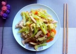 猪肉炒花菜胡萝卜