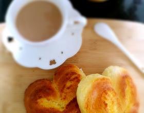 心形椰蓉小面包