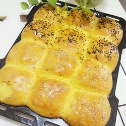 南瓜黄金餐包