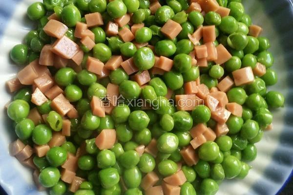 火腿肠炒青豆