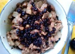 老干妈菜干豆腐蒸肉