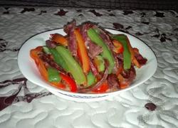 青红椒炒香肠
