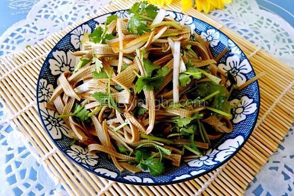 凉拌三河豆腐丝
