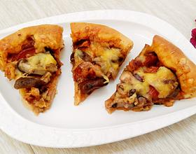 香菇红肠培根披萨(9寸)