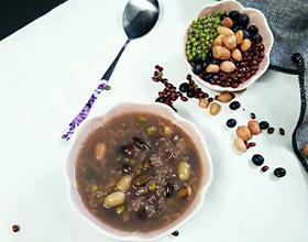 五谷杂粮营养粥