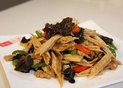 腐竹木耳炒肉