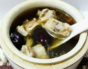 高丽参炖鸡汤