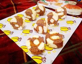 沙拉肉松双色海绵蛋糕卷