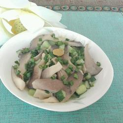 平菇炒黄瓜