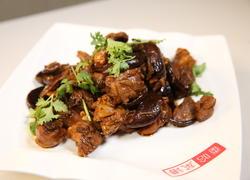 香菇炒鸡块