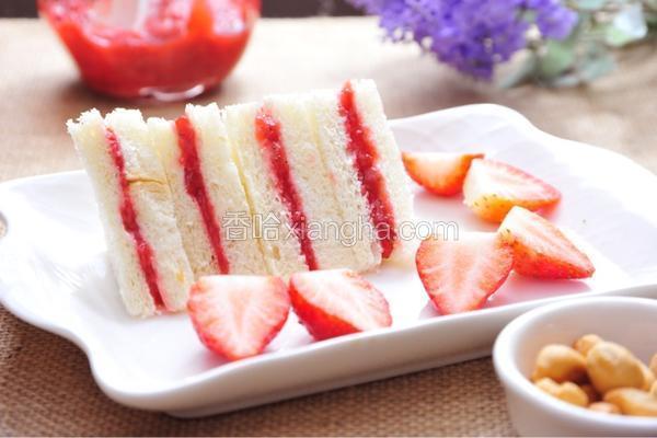 自制草莓酱三明治