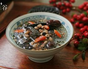 黑豆首乌煲乌鸡汤[图]