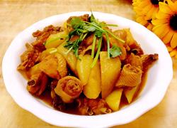 三黄鸡炖土豆