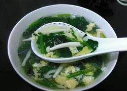 菠菜海鲜菇蛋花汤