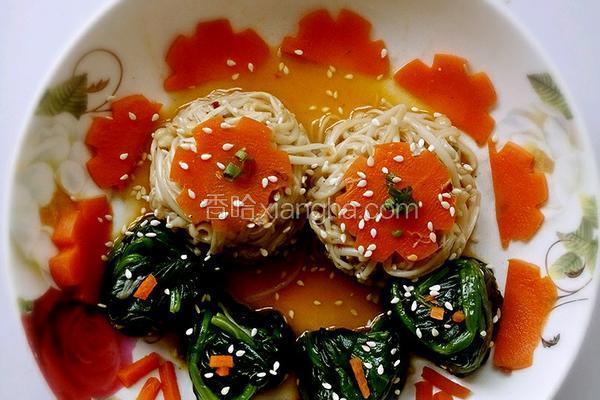 金针绘翠(凉拌金针菇菠菜)