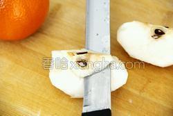鲜榨蜜梨香橙汁的做法图解3