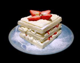 奶油草莓吐司蛋糕[图]