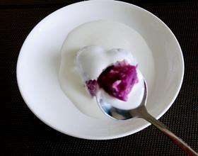 酸奶淋紫薯
