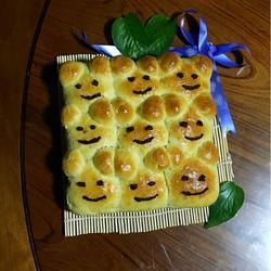 挤挤小熊豆沙面包