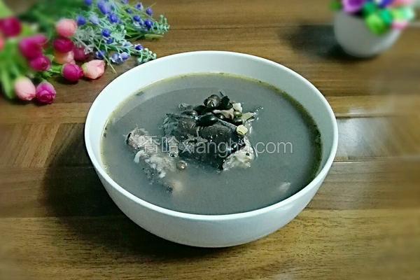 黑豆煲塘虱鱼汤