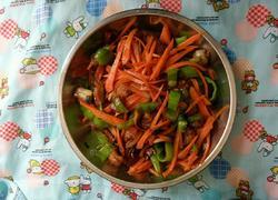 猪肉炒青椒红萝卜