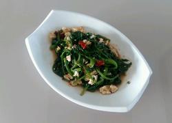 凉拌核桃仁菠菜