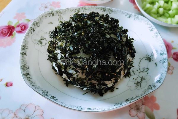 紫菜沙拉大饭团