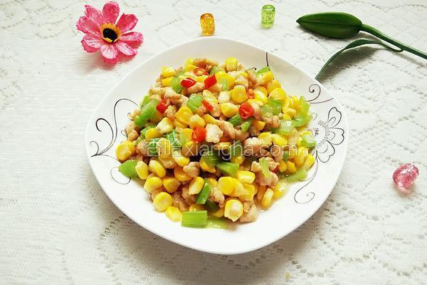 莴笋玉米炒肉丁