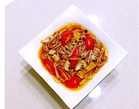番茄蘑菇笋干面